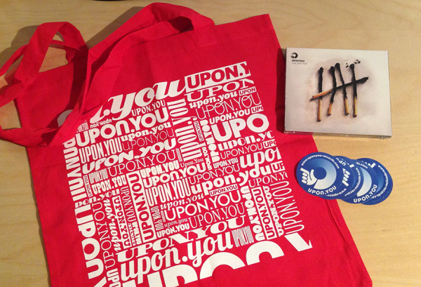 Weihnachtsverlosung #15: 1x Upon.You Package - The Hot Five Compilation und Upon.You Bag